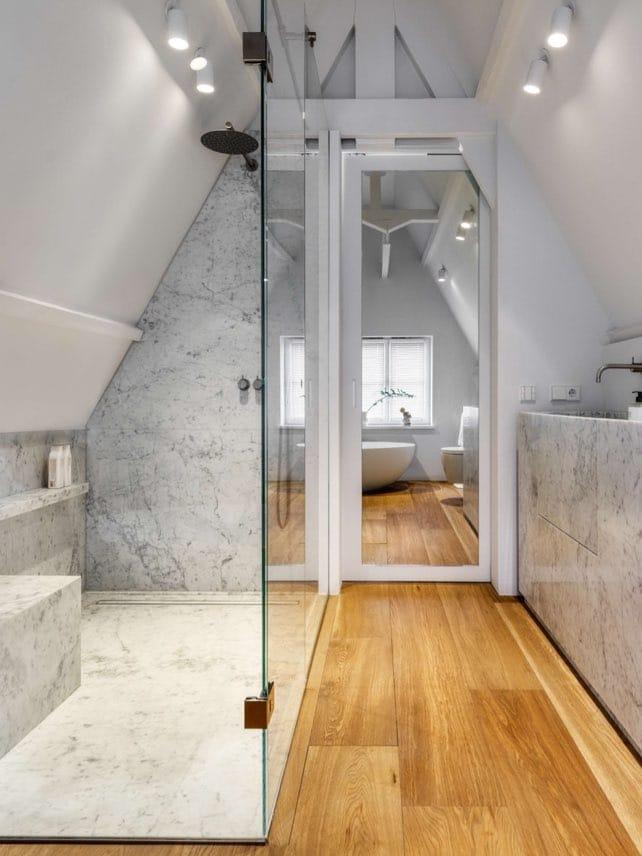 Echtparket eiken vloeren rechte planken badkamer artofliving